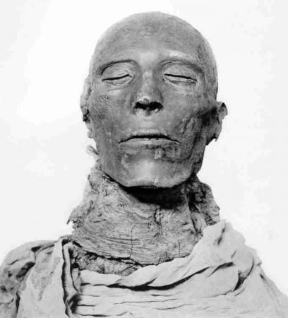 """Faraon XIX dynastji Seti I Żył w XIII w p.n.e. Ojciec Ramzesa Wielkiego. Sam powinien też być nazywany """"Wielkim"""" Źródło"""