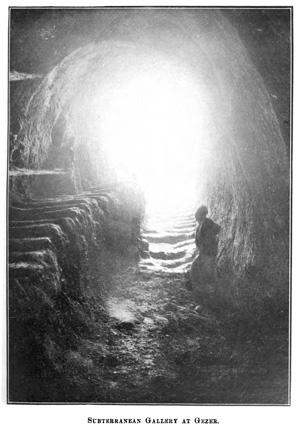 Tak wyglądało tunel w 1908 roku gdy go odkopano.
