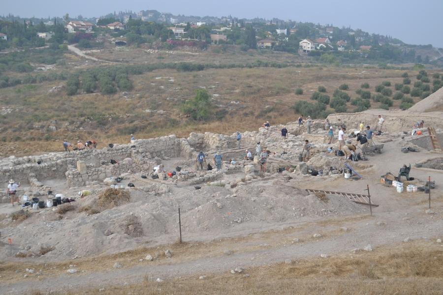 Wykopaliska w Gezer. Żródło.