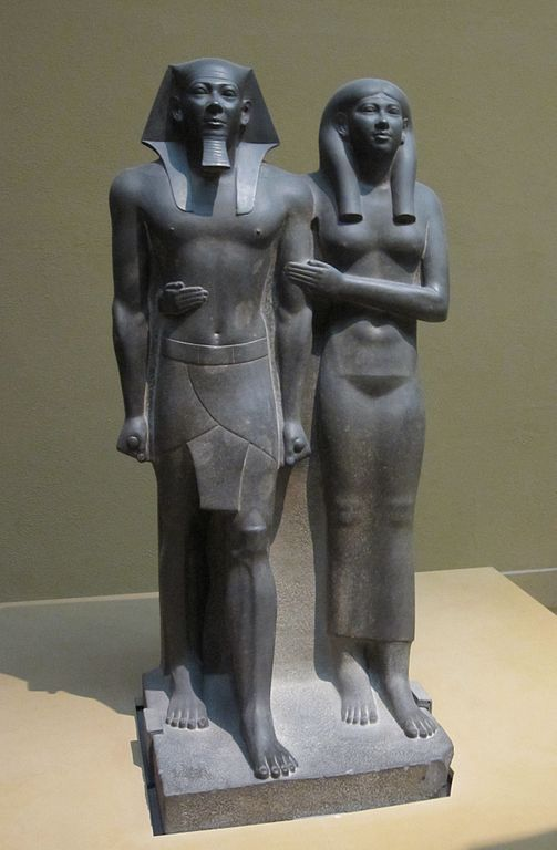 Faraon Mykerinos z żona. Panował w połowie III tys p.n.e. Żródło