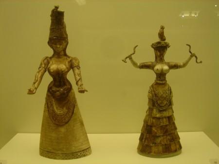 Kobiety starej Krety. Żródło Heraklion Museum