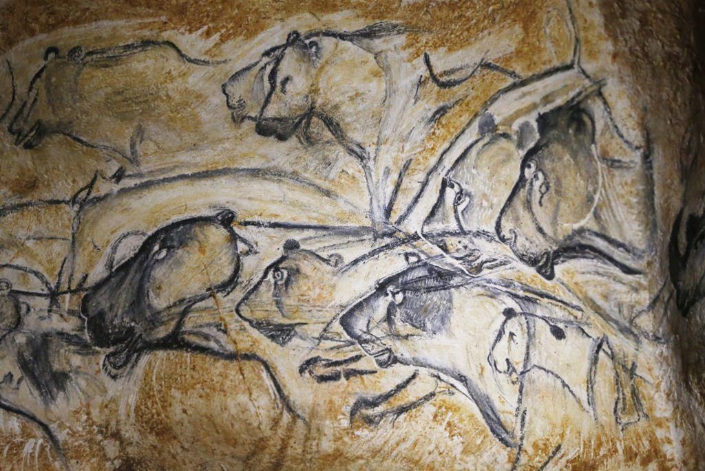 Jaskinia Chauveta ok. 30 tys lat Fot. PAP/EPA/ GUILLAUME HORCAJUELO 08.04.2015